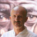 """نظر عکاس بین المللی انقلاب ۵۷ """"رضا دقتی"""" در مورد قیام آبان و مقایسه آن با انقلاب ۵۷ (انگلیسی-ویدئو)"""