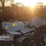 آثار گلوله بر روی بدنه هواپیمای سقوط کرده اوکراینی