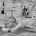 فیلم بازداشت کشتی حامل سلاح های ارسالی جمهوری اسلامی برای حوثیهای یمن توسط تفبگداران دریایی آمریکا در دریای عرب (کلیپ کوتاه + عکس)