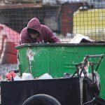 نصف لبنان در فقر و خاموشی (کلیپ کوتاه انگلیسی)