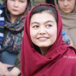 ۳ مصاحبه کوتاه با شمسیه علیزاده دختر ۱۷ ساله و نفر اول کنکور پزشکی افغانستان