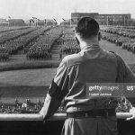 کلیپی کوتاه از هیتلر, رژه ارتش نازی و امت همیشه در صحنه آلمان