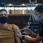 دریافت واکسن کرونا توسط تفنگداران و ملوانان نیروی دریایی آمریکا