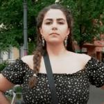 گفتگوی کوتاه با نوشین؛ زنی که در روز رای گیری جلوی سفارت آلمان اعتراض برهنه کرد